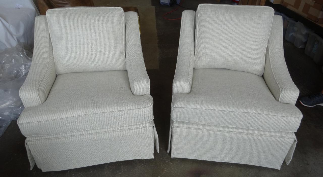 Barnett Furniture Best Home Furnishings Ayla Swivel Or